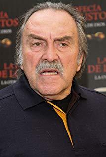 小佩德罗·阿门达里斯 Pedro Armendáriz Jr.演员