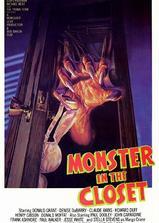 壁橱里的怪物海报