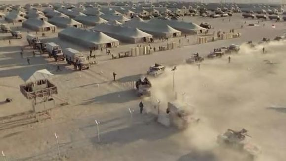 HBO军事动作片:美军到达巴格达之后,B连被这座城市的规模所