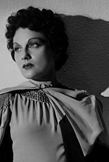 露西·曼海姆 Lucie Mannheim演员
