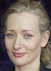 马格达莱纳·珀拉斯佳 Magdalena Poplawska