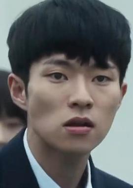 尹钟硕 Jong-suk Yoon演员