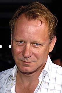 斯特兰·斯卡斯加德 Stellan Skarsgård演员