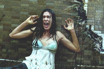 咒怨+猛鬼街,女主身材再火辣也让人害怕!