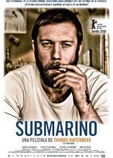 潜水艇海报
