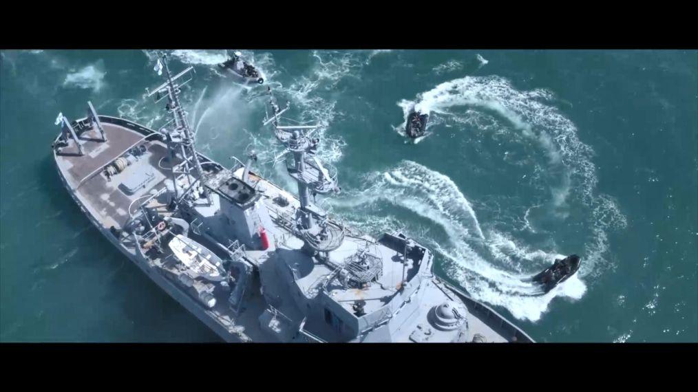 一部乌克兰舰船从俄罗斯海军封锁中逃出的战争电影!