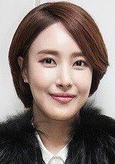 金允書 Kim Yoon-seo