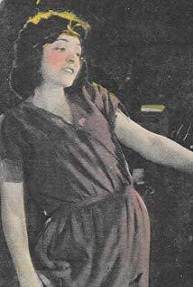 Hazel Keener演员