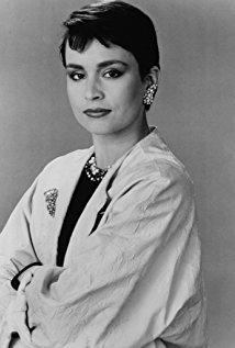 戴安·维诺拉 Diane Venora演员