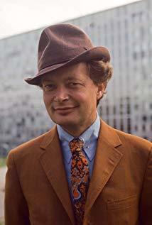 Ernst-Hugo Järegård演员