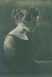 勒妮·比约林 Renée Björling演员