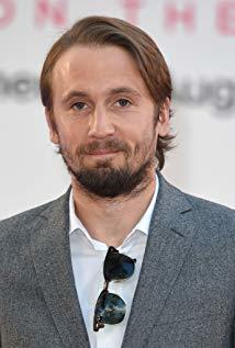 汤姆·巴斯登 Tom Basden演员
