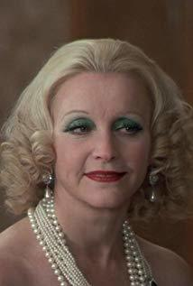 埃莱娜·叙尔热尔 Hélène Surgère演员