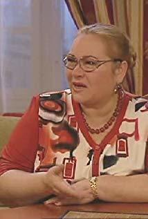 Nina Usatova演员