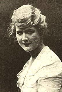 Mary MacLaren演员