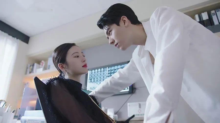 播了4天又逆袭《如意芳霏》,周雨彤新剧重登热度榜第一!