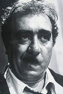 萨罗·乌尔齐 Saro Urzì演员