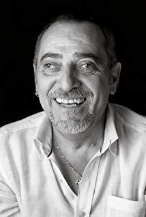 Enrique Villén演员