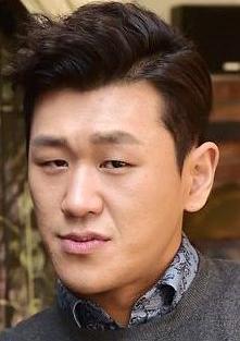 姜宏硕 Kang Hong-suk演员