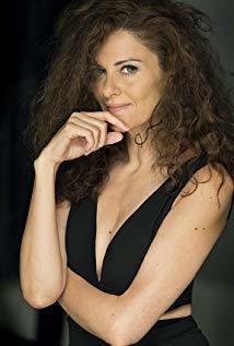 Lara Corrochano演员