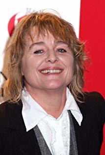 西妮德·库萨克 Sinéad Cusack演员