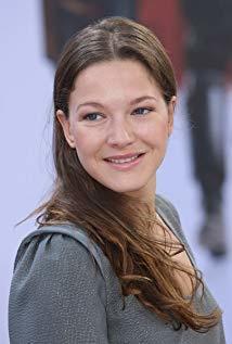 汉娜·赫茨施普龙 Hannah Herzsprung演员