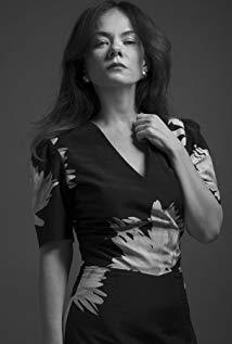 Nadia Litz演员