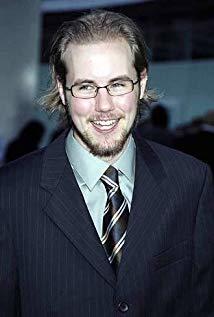 凯尔·拉比内 Kyle Labine演员