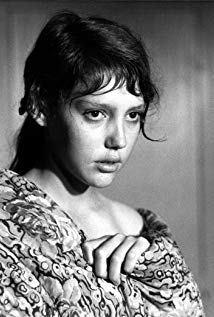 安妮·维亚泽姆斯基 Anne Wiazemsky演员
