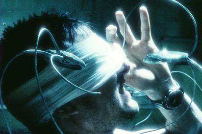 阿汤哥换眼逆转未来!把科幻电影玩到飞,我想不出第二人