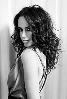 艾米·曼森 Amy Manson演员
