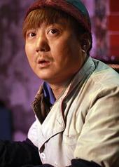 秦艺伟 YiWei Qin