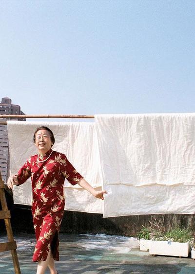 晒棉被的好天气海报