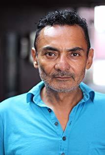 卡洛斯·利纳雷斯 Carlos Linares演员