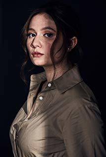 艾玛·肯尼 Emma Kenney演员