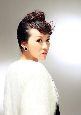 郭露文 Luwen Guo演员