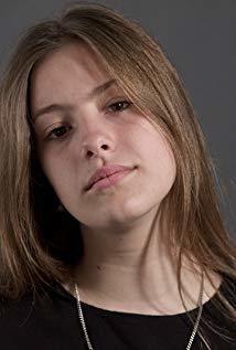 克劳迪亚·贝加 Claudia Vega演员