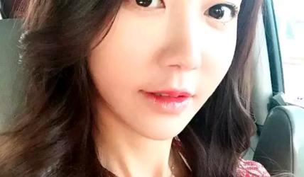 韩国成人版「绝地求生」,性感小姐姐顺利吃鸡,这技术真的猛!