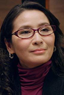 区霭玲 Edith Au演员
