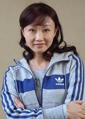 黄慧颐 Huiyi Huang