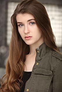 凯西·伯克 Casey Burke演员