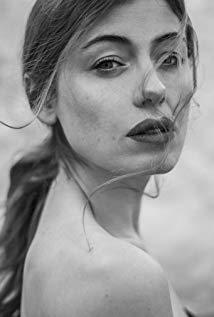 Caroline Tillette演员