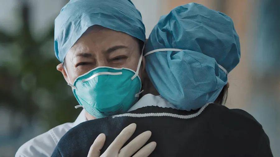 播出两集就力压《我喜欢你》,张嘉益新剧冲上热度榜第一!
