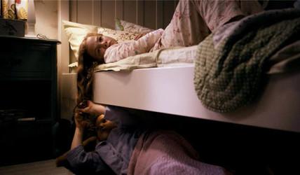 《尸人保姆》:被鬼养大的孩子什么样?美国首部恐怖片票房冠军