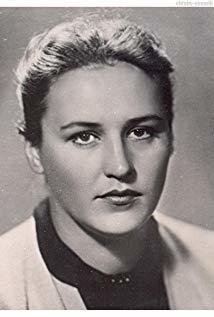 诺娜·莫尔久科娃 Nonna Mordyukova演员
