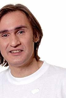 Akis Sakellariou演员