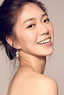 邓九云 Joanne Deng演员