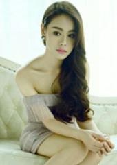 姜怡伊 Yiyi Jiang