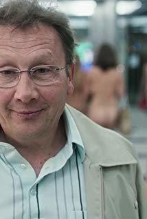 塞尔日·拉里维埃尔 Serge Larivière演员