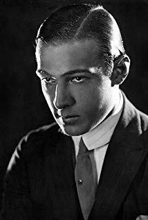鲁道夫·瓦伦蒂诺 Rudolph Valentino演员